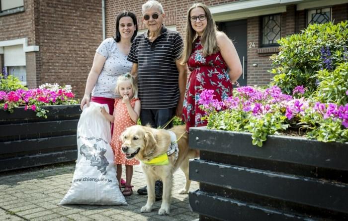 """Moeder en dochter zamelen plastic dopjes in: """"Met opbrengst kunnen we puppies opleiden tot geleidehonden"""""""