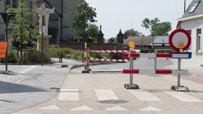 Brugstraat na maanden weer open, doorgang naar Muizen wel afgesloten
