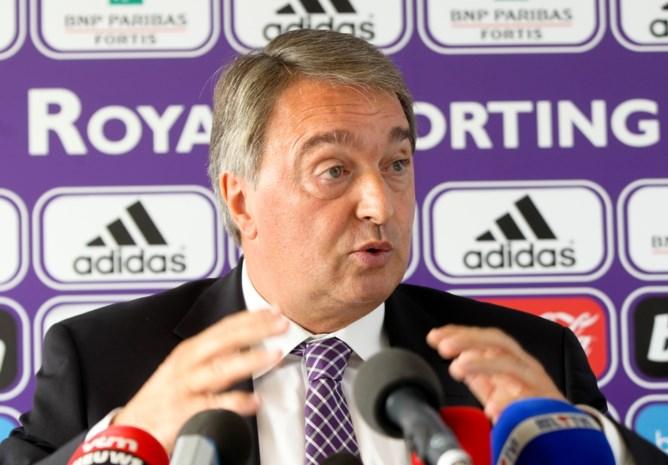 """Spijtoptant Veljkovic beschuldigt Van Holsbeeck, die ontkent: """"50.000 euro onder tafel bij transfer Jovanovic"""""""