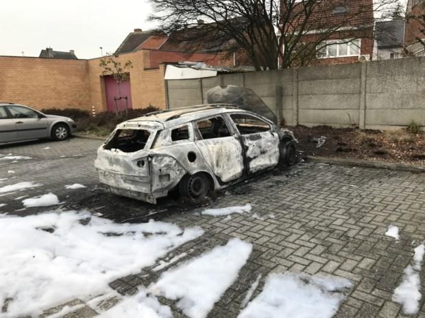 Brandstichter auto's moet zich laten behandelen en werk zoeken