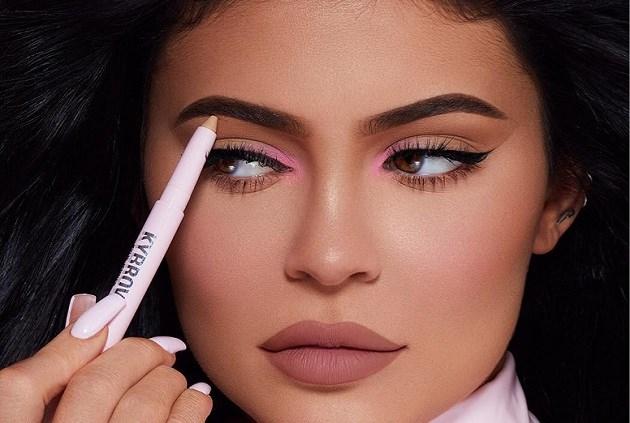 Kylie Jenner denkt eraan om haar make-uplijn te verkopen en zo nog rijker te worden