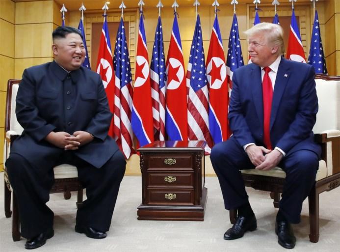 President Trump schudt Kim Jong-un de hand bij ongeplande ontmoeting in gedemilitariseerde zone