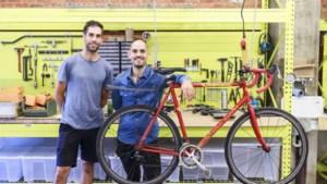 """Broers openen fietswinkel op Terloplein: """"Deze buurt kan een zaak als die van ons echt goed gebruiken"""""""