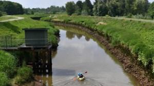 In een opblaasbootje van Herentals naar Lier: packrafttocht verandert in race tegen getij