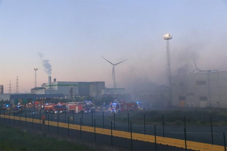 Zware brand bij bedrijf in Waaslandhaven