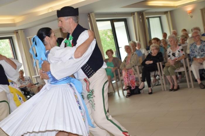 Hello!Schoten: stoere Slovaak Ivan vraagt Gusta (87) ten dans