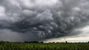 Buiige dag met kans op onweer