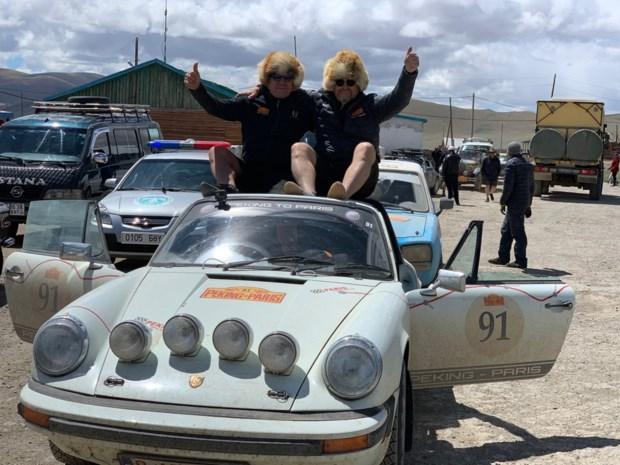 Duo wint brons met Porsche 911 Targa in rally Peking-Parijs