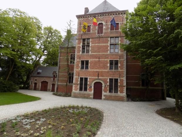 Inwoners bepalen mee toekomst van kerk en kasteel Hof d'Intere
