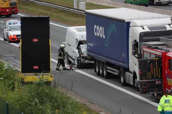 E19 tijdlang versperd in Brecht door ongeval