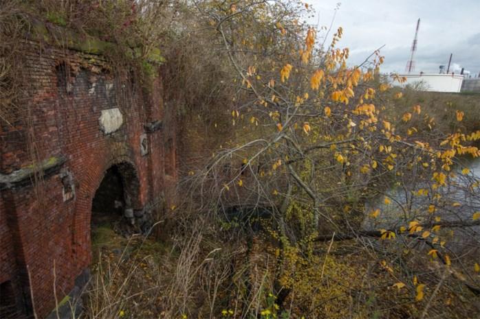 Haven gaat extreem vervuild Fort Sint-Filips aanpakken: drie jaar werk om sarcofaag te bouwen rond toxische tijdbom