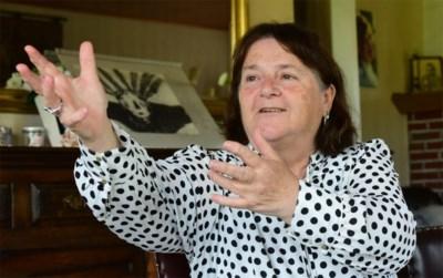Gepensioneerde huismoeder brengt monoloog over afgebrand huis en verloren man