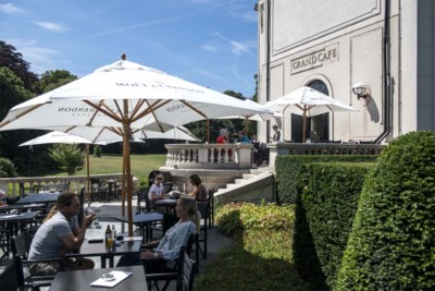 Grand Café weer open na granaataanslagen: business as usual in Den Brandt