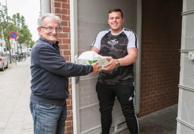 Delivero(o)pa: Jacques (82) bezorgt op zijn 82ste nog frietjes aan huis in Antwerpen