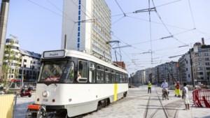 IN BEELD. Eerste tram rijdt over Operaplein (maar opstappen kan nog niet)