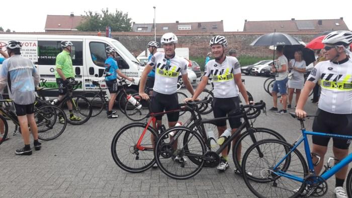 """Yves onderneemt loodzware fietstocht als eerbetoon aan overleden dochtertje: """"Op de Alpe d'Huez in  een huilbui uitgebarsten"""""""
