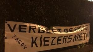 Onbekenden hangen spandoek op aan woning Bart De Wever