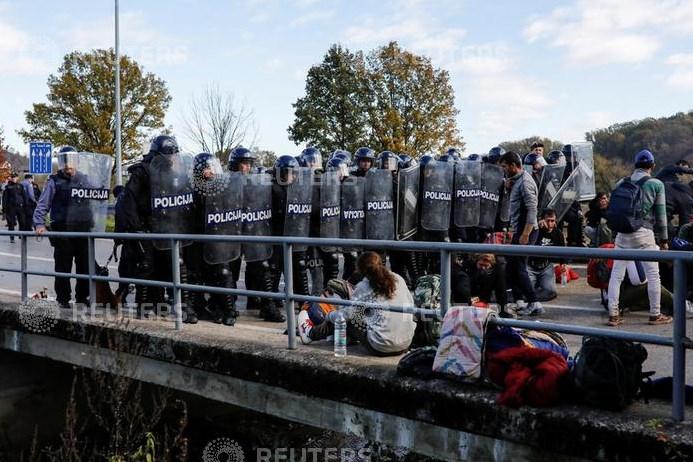 Kroatische grenspolitie mishandelt 18 migranten en laat ze achter in Bosnië