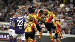 Ongeslagen KV Mechelen houdt ondanks ziekte, rood en overmacht stand op Anderlecht