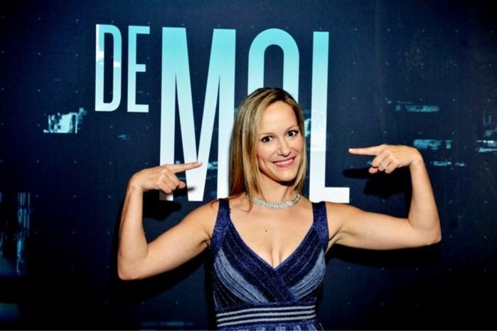 """Populariteit van 'De mol' Elisabet blijft aanhouden: """"Iemand wou zelfs close-ups van mijn tenen"""""""