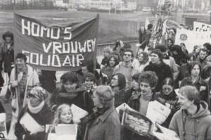 Nu vooral een feest, toen vooral een strijd: ook 40 jaar geleden vertrok al een betoging voor homorechten vanop het Sint-Jansplein