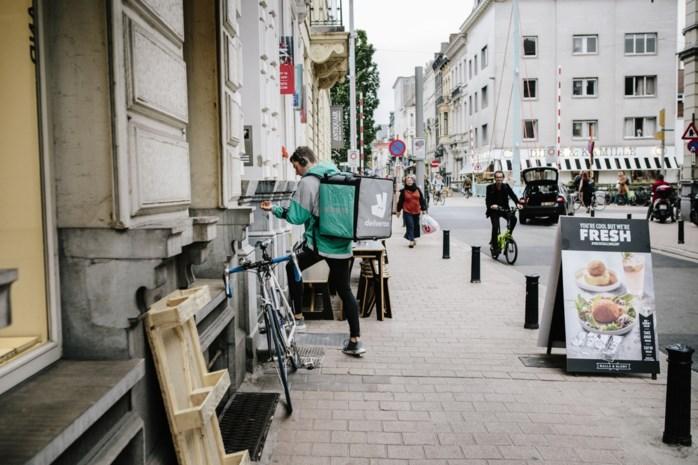 """""""Supermarkten zullen evolueren naar open keukens"""": restaurants-aan-huis zetten supermarkten onder druk"""