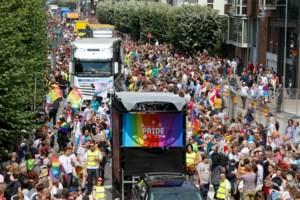 IN BEELD. 90.000 mensen wonen Antwerp Pride Parade bij