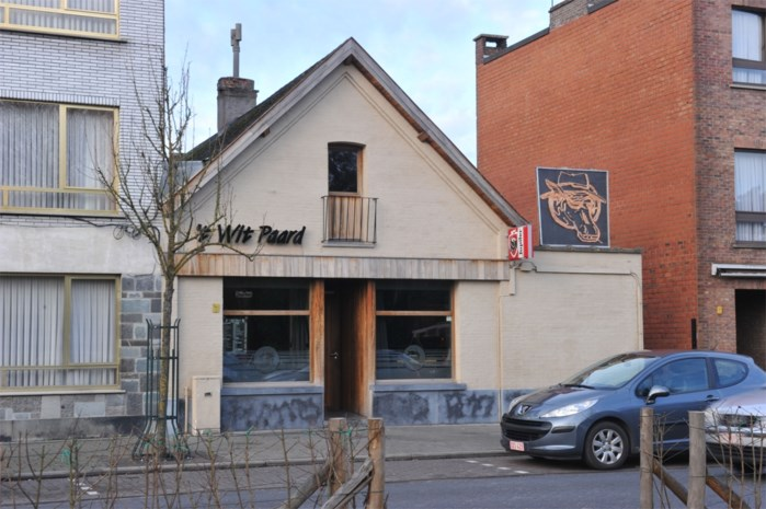 Café 't Wit Paard brengt hulde aan Woodstock