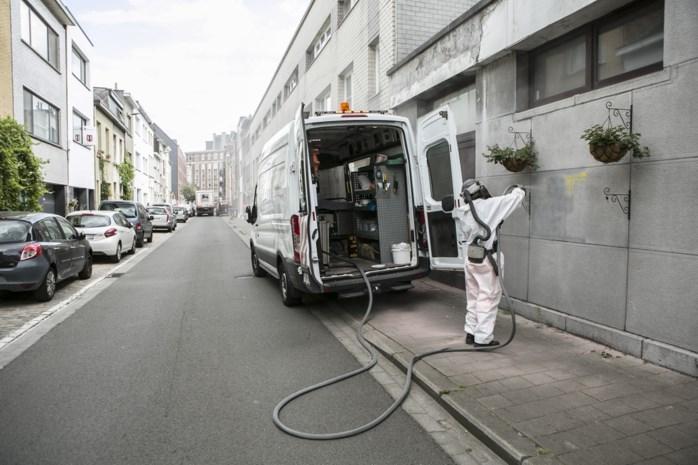Graffititeam nog dagenlang bezig met verwijderen van tags op zestigtal bekladde gevels in Zurenborg