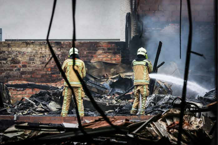 DISCUSSIE. Brandweermannen rouwen: nachtmerrie die niet te vermijden was?