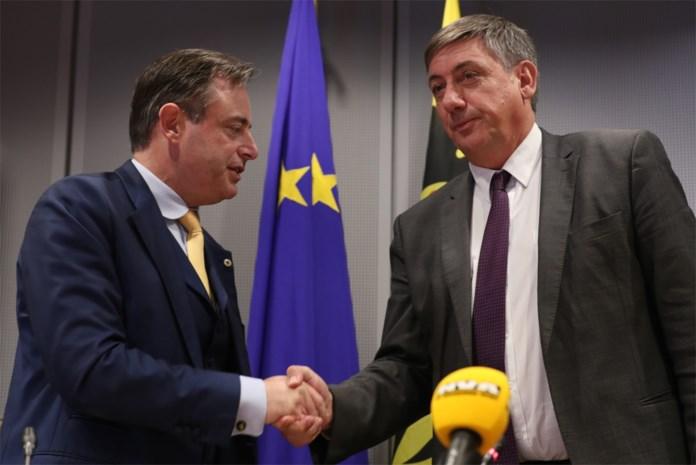 De Wever geeft fakkel door aan Jambon: dit is uw mening