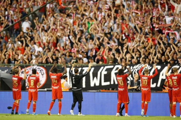 Antwerp on tour: duizenden fans veroveren Pilsen ... hoewel er slechts 600 het stadion binnen kunnen