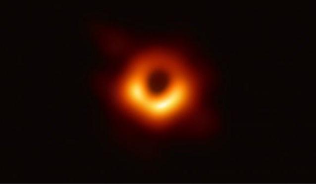 Wetenschappers staan voor raadsel door zwart gat dat feller schijnt dan ooit