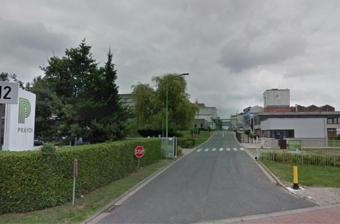 Brandweer snelt gevallen arbeider te hulp bij firma in Ruisbroek