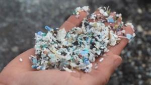 """Plastic deeltjes in ons water: """"Geen reden voor bezorgdheid"""""""