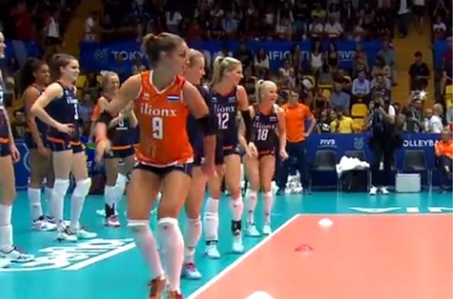 Nederlandse volleybaldames doen geweldige opwarming: van Michael Jackson tot 'Hammer Time'