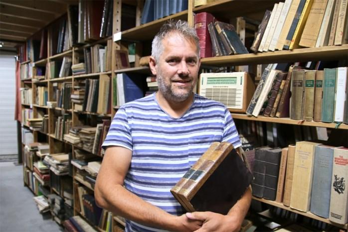 Pand verkocht, antiquair moet in twee weken 300.000 boeken verkopen