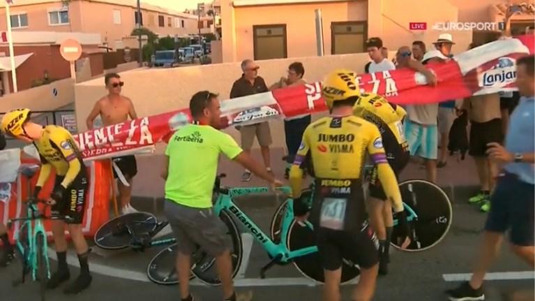 Astana is Deceuninck-Quick Step te snel af in ploegentijdrit Vuelta, zware valpartij voor Jumbo-Visma