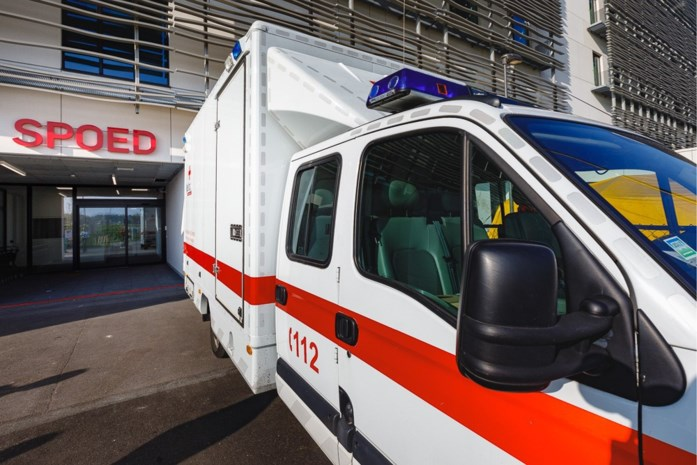 7-jarige fietsster lichtgewond bij aanrijding met autobus