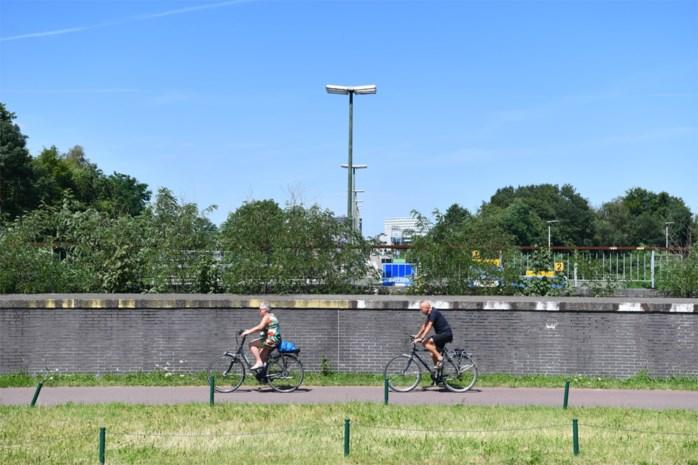 Met de fiets de Ring rond op rechteroever: bruggen, bermen en een 'Berlijnse muur'