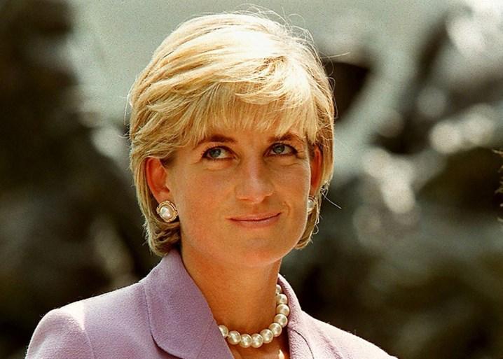 Hailey Baldwin gaat prinses Diana achterna in fotoshoot