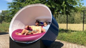 Natural Highs Festival veilt unieke loungezetels in voormalige glascontainers