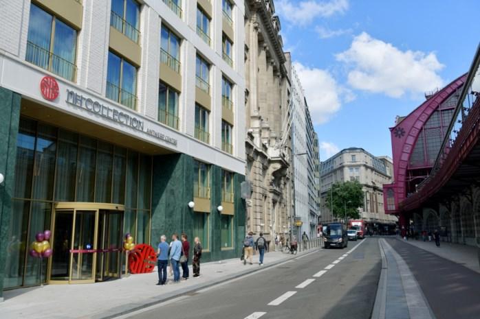 Nieuw viersterrenhotel opent de deuren tegenover station