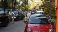 """Veel ouders brengen hun kinderen toch met de auto naar De Bosmier: """"Soms kan het gewoon niet anders"""""""