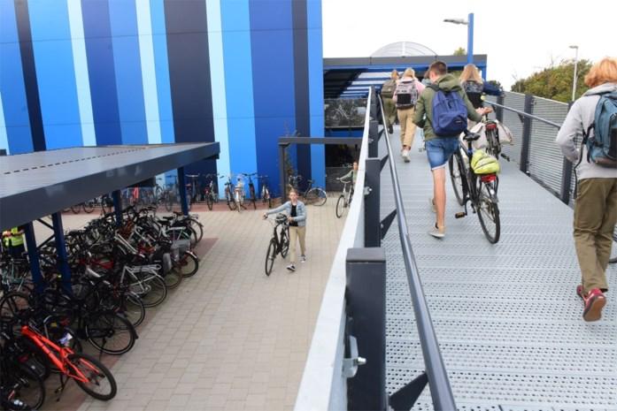 9 op 10 leerlingen Sint-Pieter rijden met de fiets, met dank aan fietsenstalling met verdieping en eigen fietshersteldienst