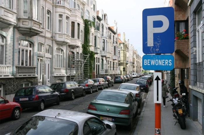 Bewonersparkeren breidt uit naar heel Deurne, ook Borsbeek overweegt blauwe zone