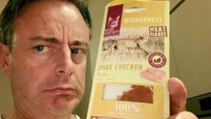 Bah: Bart De Wever smeert kattenvoer op boterham