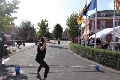 Heffen omgetoverd tot groot omelet tijdens Belgisch kampioenschap eierwerpen