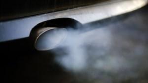 """Greenpeace: """"Auto-industrie produceert meer broeikasgassen dan hele Europese Unie"""""""