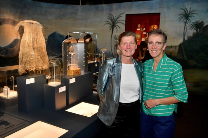 """Juwelenmakers Katrin Wouters en Karen Hendrix richten in DIVA 'wonderkamer' in: """"We willen mensen meenemen in ons universum"""""""